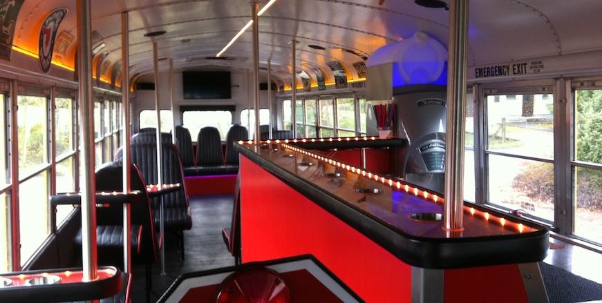Bus Bar: Erding – München – Landshut Partybus Indy 500